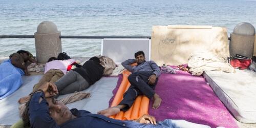 Caritas International Assistance humanitaire aux réfugiés sur les îles et à la frontière macédonienne