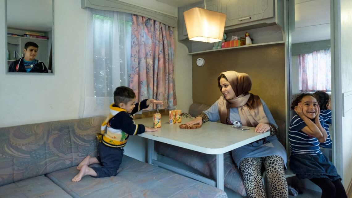 Caritas International Reception crisis: 35,476 asylum applications in 2015