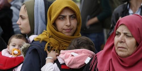 Caritas International Luister naar de verhalen van vrouwelijke vluchtelingen