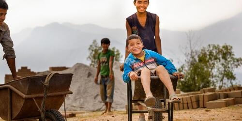 Caritas International Népal : 1 an après le choc, la résilience en marche