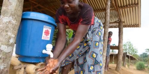 Caritas International Suivi médical et soutien après l'épidémie d'Ebola