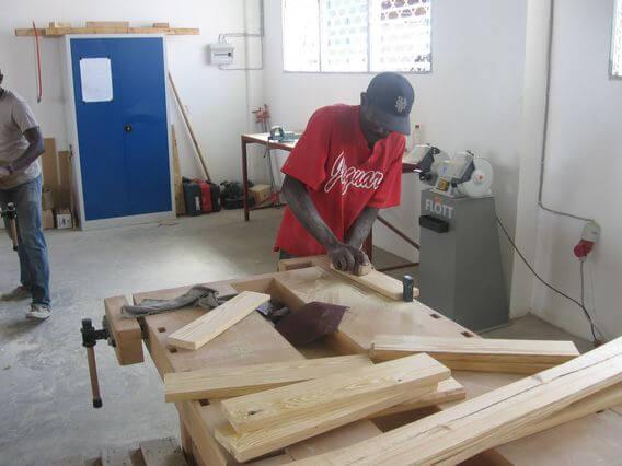 Caritas International Bouw permanente huizen in Port-au-Prince