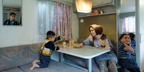 Caritas International Belgium Reception crisis: 35,476 asylum applications in 2015