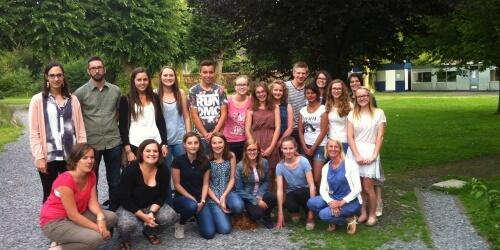 Caritas International Belgique Quinze têtes curieuses s'apprêtent à s'envoler pour le Rwanda