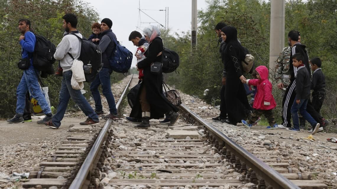Caritas International Belgique Assistance humanitaire aux réfugiés sur les îles et à la frontière macédonienne