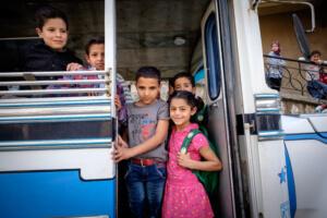Bus à l'école publique à Broummana