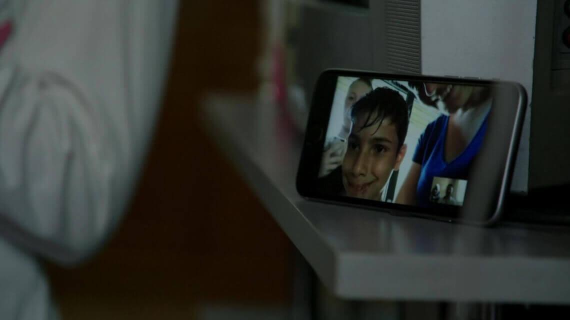 Caritas International België Hoe een kind, angstig wachtend op zijn ouders, kan verzuipen in starre regeltjes