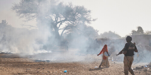 Caritas International België Tussen geweld en armoede bouwen Nigerese jongeren aan een toekomst