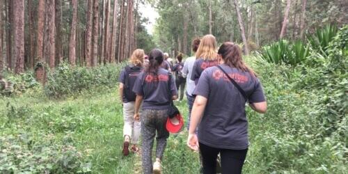 Caritas International België Op ontdekking in het land van duizend heuvels