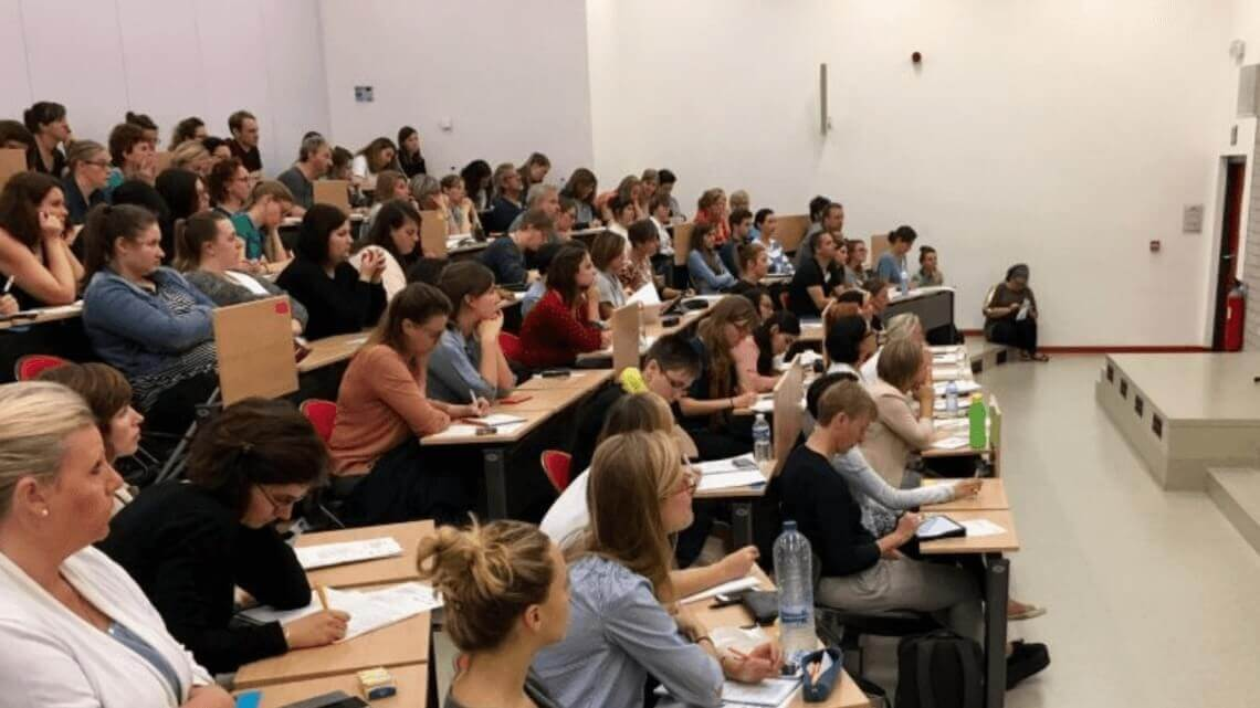 Caritas International België Studiedag – Commmunity Service Learning in het onderwijs