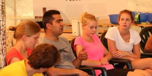 Caritas International Belgique Et si un réfugié-témoin venait dans votre classe?