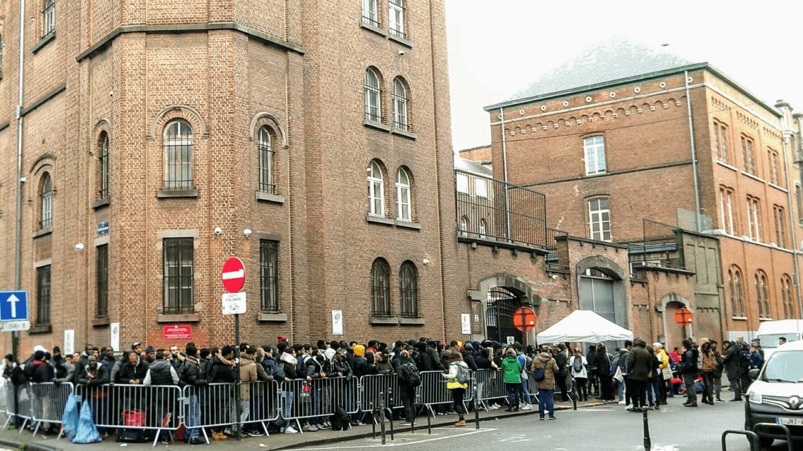 Caritas International Belgique Que se passe-t-il à l'Office des Etrangers?