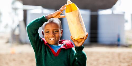 Caritas International Belgique Pour un accès à l'eau potable et des installations sanitaires salubres à l'école