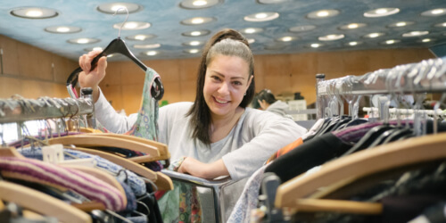 Caritas International Belgique Les soldes solidaires: donnez du cœur à vos vêtements