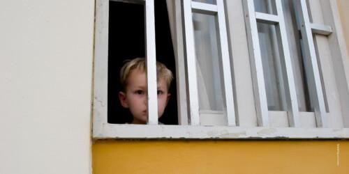 Dubbelzinnige houding Federale regering over detentie van kinderen