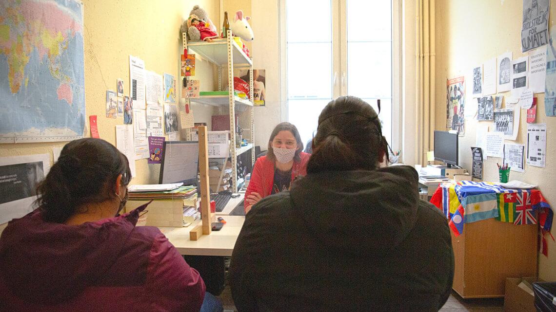 Caritas International België (Reportage) Het verhaal van José en Maria, 'mensen zonder papieren' van de ene dag op de andere